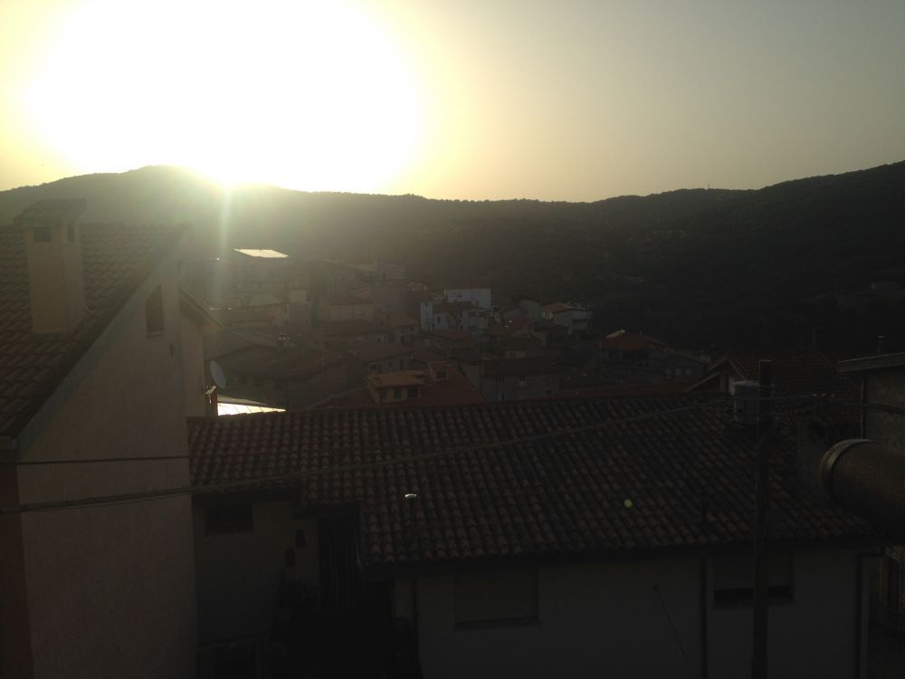 Sunrise in Gavoi with 7 am bells and swallows