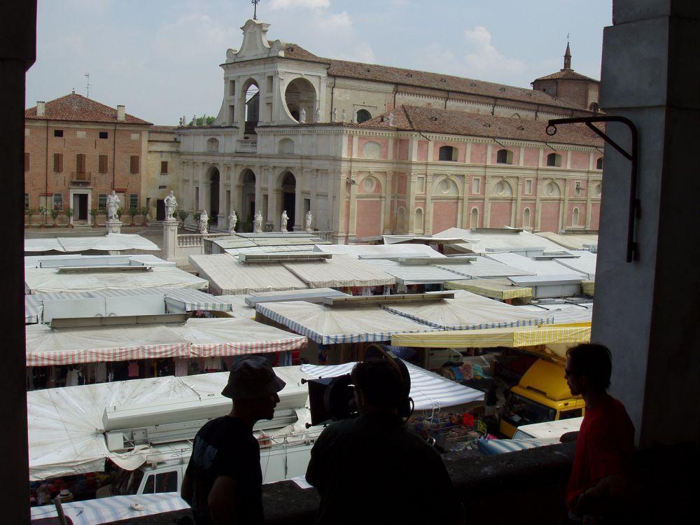 Ambiente mercato San Benedetto Po\' zona frutta