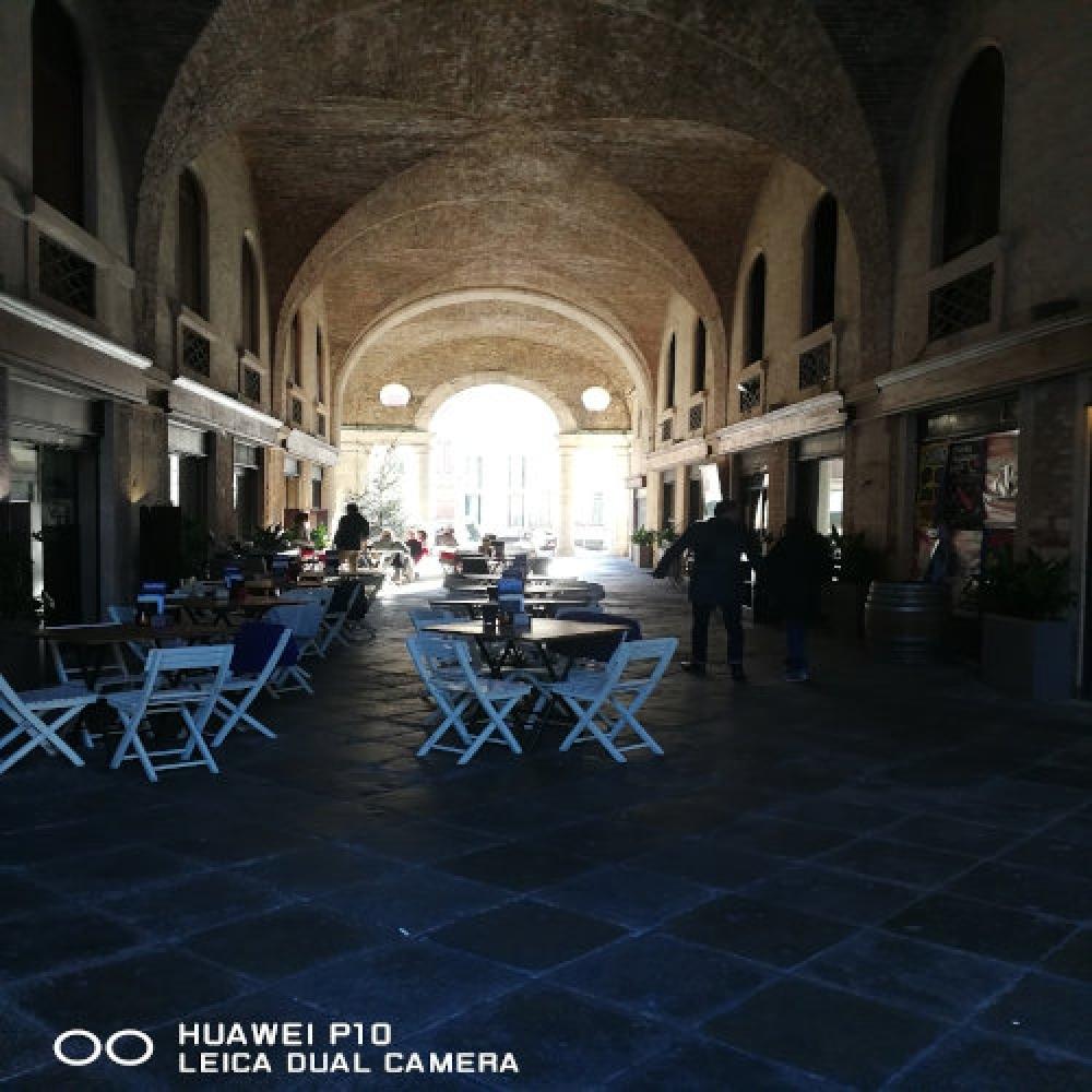 Bar nel sottoportico della Basilica Palladiana