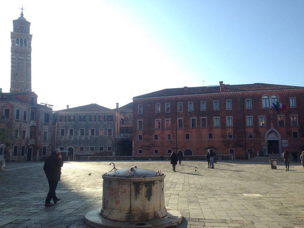 Beautiful winter soundscape from Campo Sant'Anzolo with people passing and talking