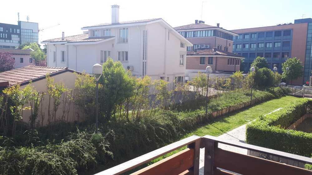Mattina in terrazza vicino al centro